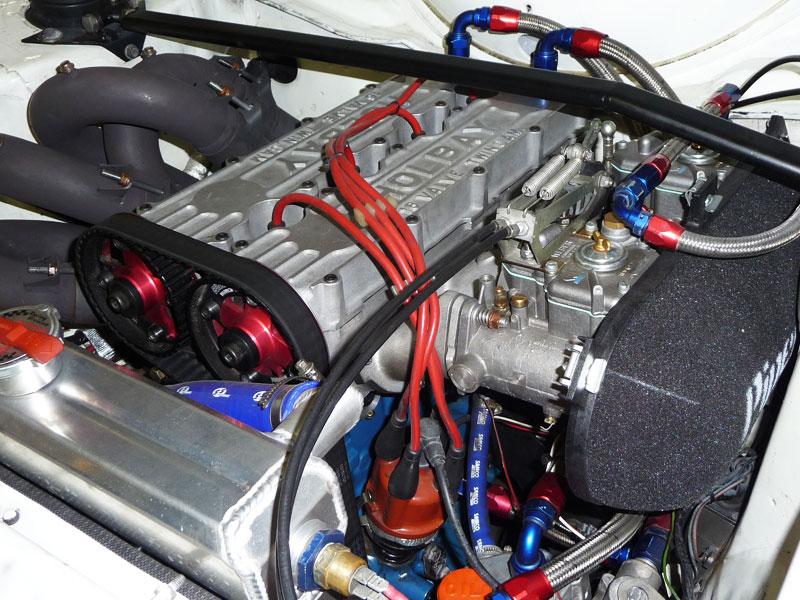 Holbay 16V im Mk2 Escort RS2000